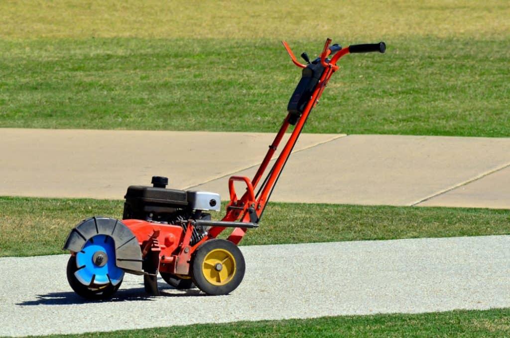 best gas lawn edger